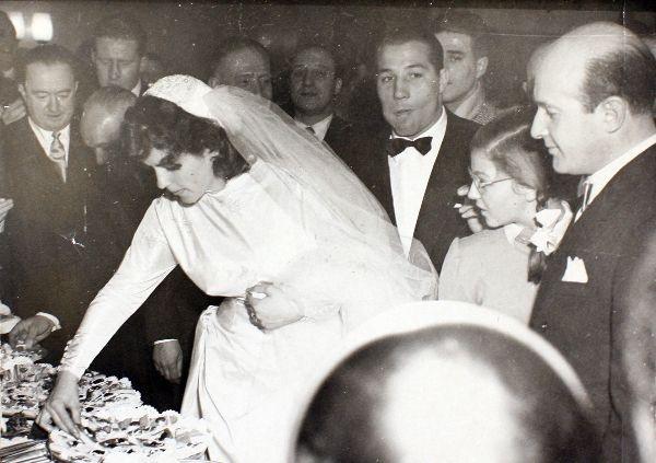 Fulvia Franco e Tiberio Mitri durante il rinfresco nuziale
