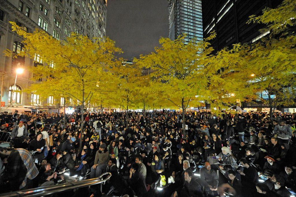 Manifestanti di Occupy Wall Street a Zuccotti Park nel settembre 2011