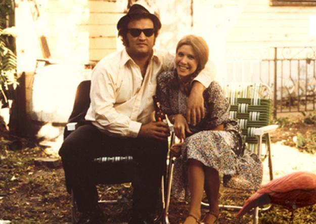 John Belushi con Carrie Fisher